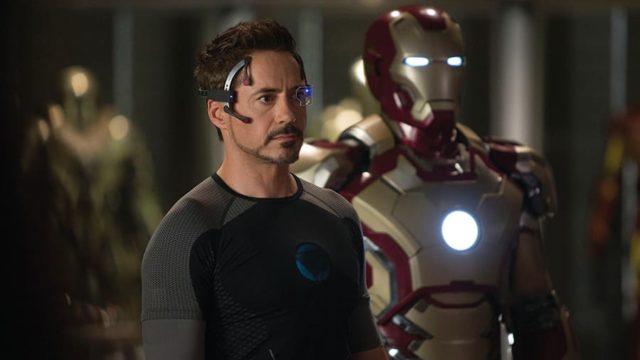 アイアンマン3で不安からアーマーを大量につくるトニー